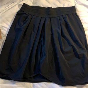 LNA size medium black skirt